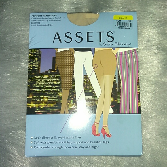 ASSETS By Sara Blakeley Perfect Pantyhose Sz 2 NWT